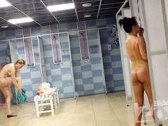 Реальная скрытая камера в женском душе